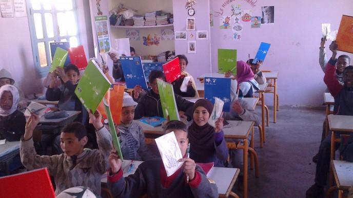 Distribution aux élèves d'Assoul